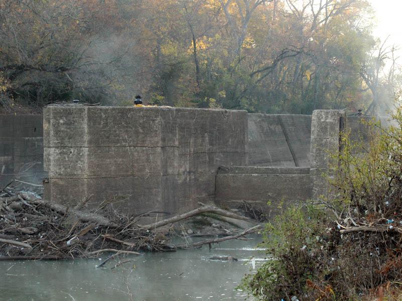 The spillway.